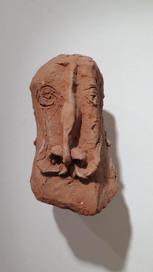Brkata glava, 1985.; terakota